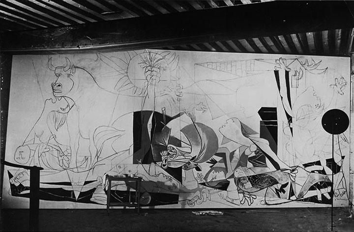 Герника в процессе создания. Париж, 1937. Фотограф Дора Маар. Фото 2