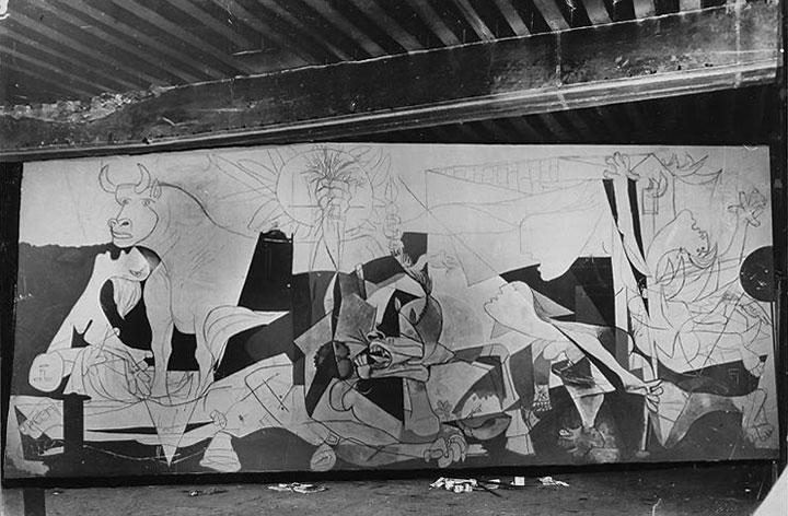 Герника в процессе создания. Париж, 1937. Фотограф Дора Маар. Фото 3