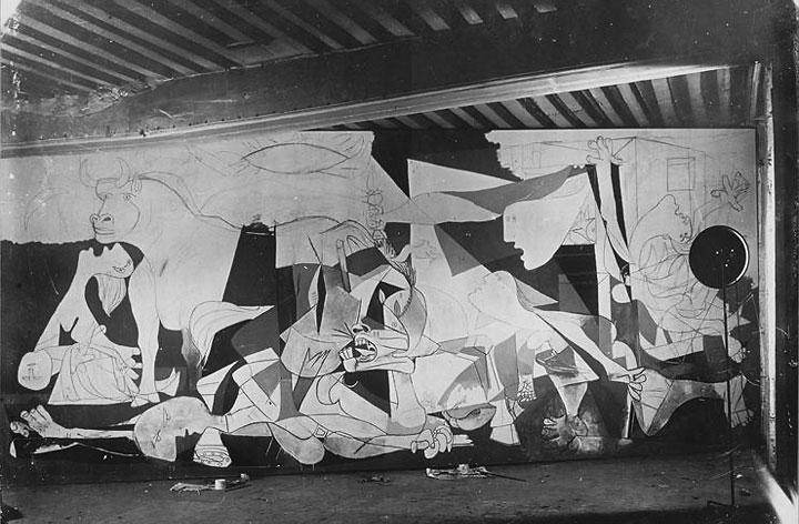 Герника в процессе создания. Париж, 1937. Фотограф Дора Маар. Фото 4