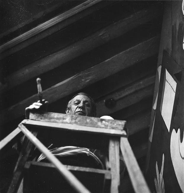 Пабло Пикассо пишет Гернику. Париж, 1937. Фотограф Дора Маар. Фото 2
