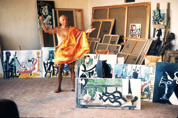 Пабло Пикассо в мастерской. Мужен, 1963. Фото Робера Дуано