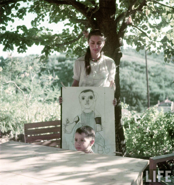 Франсуаза Жило и Клод Пикассо, Валлорис, 1949. Гийон Мили, Фото 1