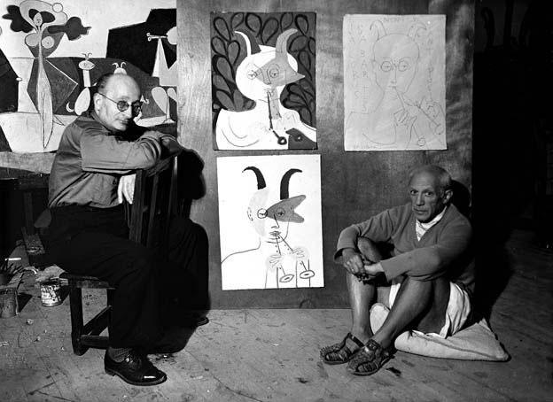 Пабло Пикассо и Хайме Сабартес, замок Гримальди, Антиб, 1946. Фото — Мишель Сима