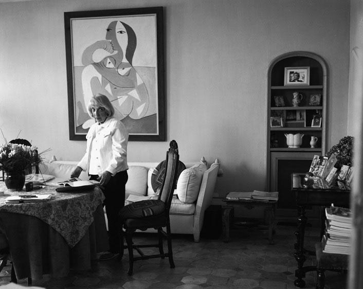 Майя Видмайер-Пикассо, дома, в Париже. Фото, 2010-е