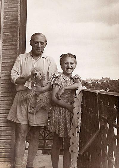 Пикассо и его дочь Майя на балконе. Фото, 1944