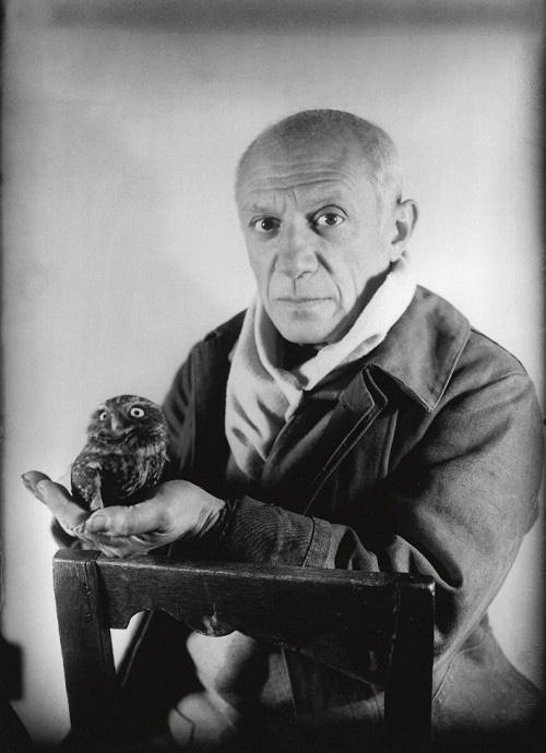 Пикасо и сова, Антиб, 1946. Фото — Мишель Сима