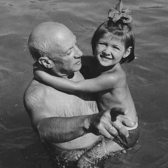 Пикассо и его дочь Палома, Гольф-Жуан, 1954. Фото — Эдвард Куинн