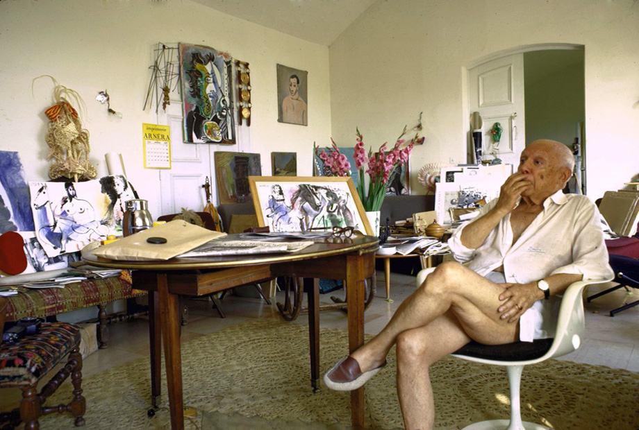 1_Gjon-Mili_Pablo-Picasso-Notre-Dame-de-Vie-Mougins-France-1967