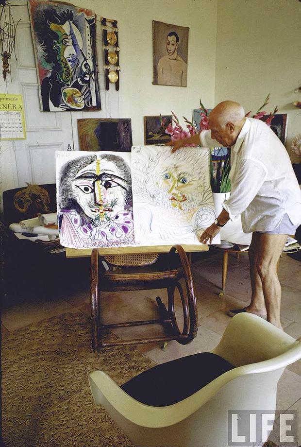 6_Gjon-Mili_Pablo-Picasso-Notre-Dame-de-Vie-Mougins-France-1967