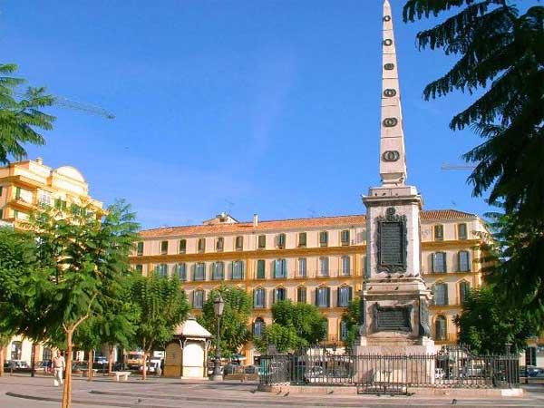 Plaza-de-la-Merced_Obelisk