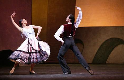 Bolshoi-Ballet-and-Opera-theatre_Le-Ttricorne_2005_4