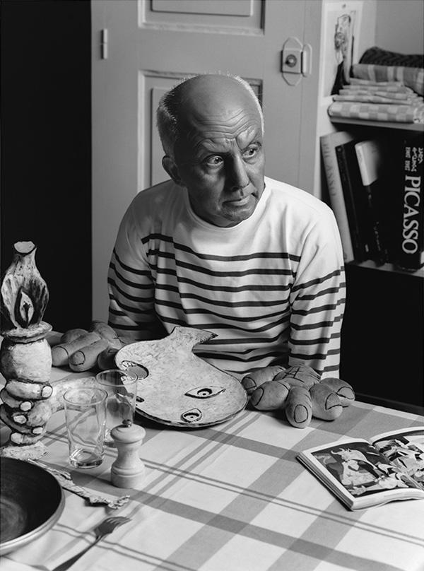 """Японский ремейк на фото Роберта Дуано """"Пикассо руки-хлеб"""""""