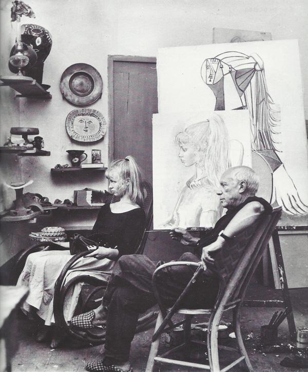 Сильветт Давид в мастерской у Пикассо, 1954. Фото — Андре Вилье