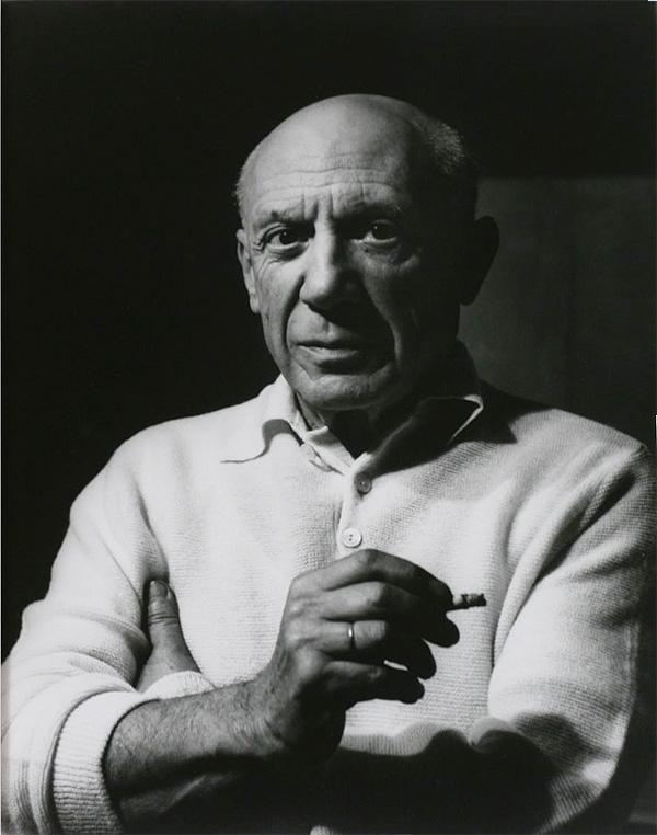 Пикассо с сигаретой, Канны, 1956. Люсьен Клерг, фото 1