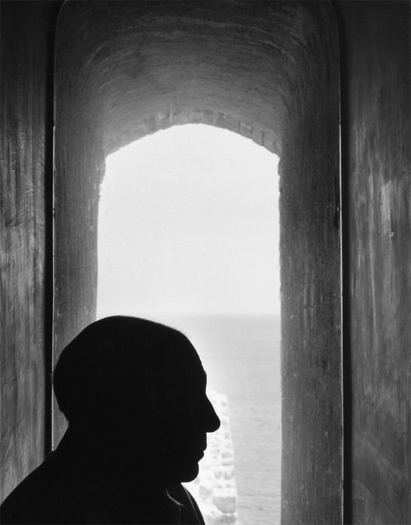 Пабло Пикассо в Антибе, 1952. Фото Дениз Коломб