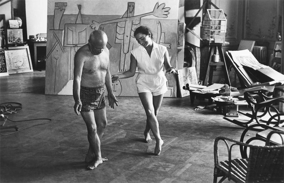 Пикассо и Жаклин Рок танцуют, вилла Калифорния, Канны, 1957. Фото - Дэвид Дуглас Дункан