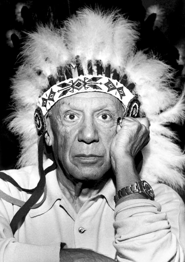 Пабло Пикассо — вождь американских индейцев, Канны, 1960. Фото Дэвида Дугласа Дункана
