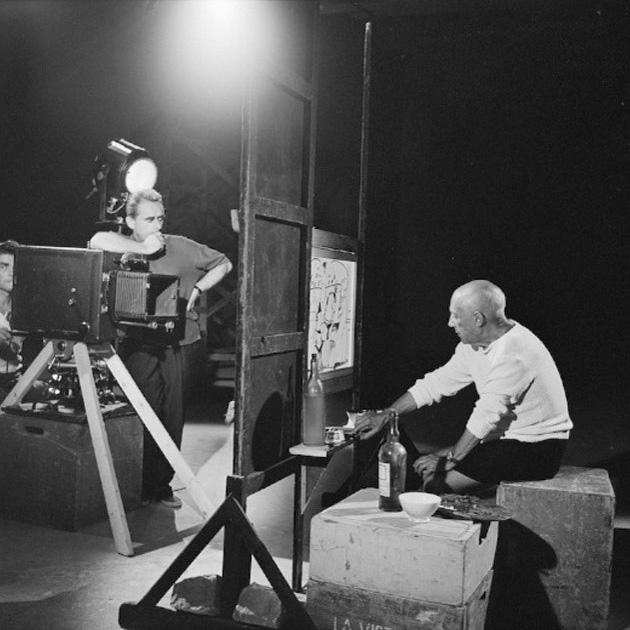 Пикассо на съемках фильма Мистерия Пикассо, Ницца, 1955. Фото — Эдвард Куинн
