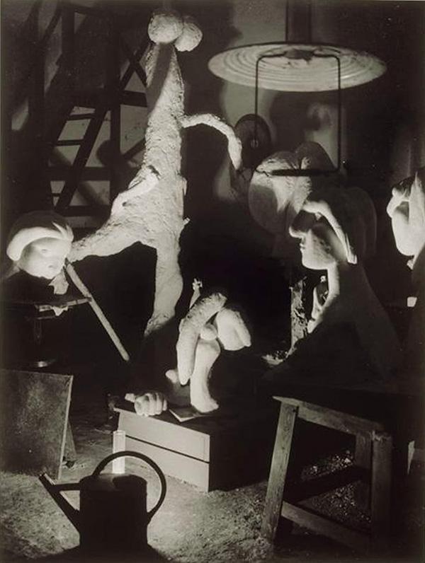 Скульптурная мастерская Пикассо в Буажелу, 1932. Брассай, фото 6