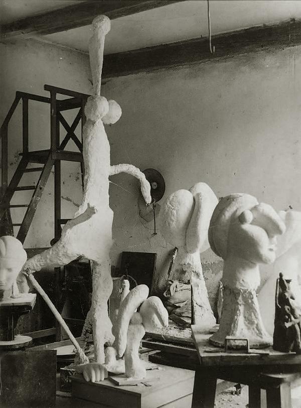 Скульптурная мастерская Пикассо в Буажелу, 1932. Брассай, фото 7